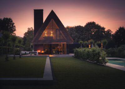 Villa H2 schemer tuin door Tom Kneepkens/Peter Baas