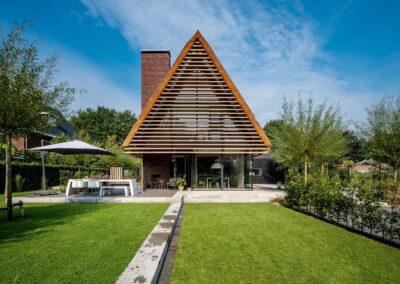 Villa H2 achteraanzicht door Tom Kneepkens/Peter Baas