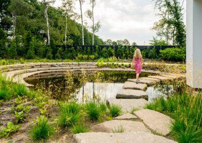 Spa One tuin met vijver