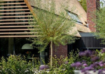 Villa H2 pool horizontaal door Tom Kneepkens/Peter Baas