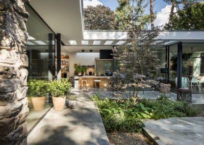 Villa W tuin zij door Tom Kneepkens/François Hannes/Peter Baas