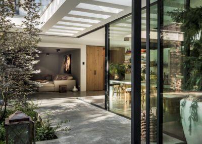 Villa W zijkant door Tom Kneepkens/François Hannes/Peter Baas